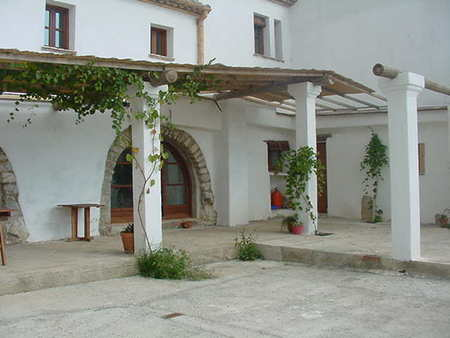Spanish property for sale in: Farmhouses. Masia / Bed & Breakfast  -  900.000 - Euro