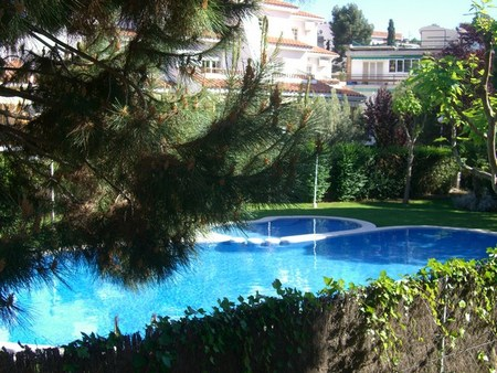 Spanish property for sale in: Sitges in and around the center. Perfect house with big garden in Vallpineda